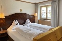 Familienhotel-sonnenburg-oberlech-3