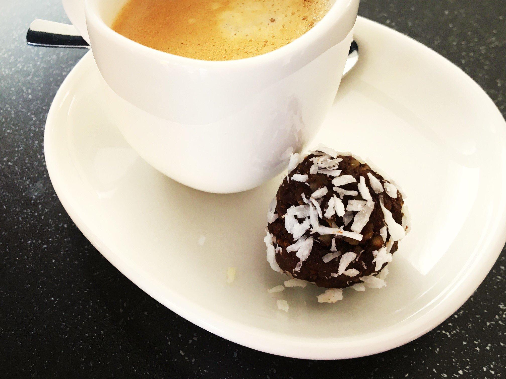 IMG 9472 - Espresso-Blissballs: Lecker, gesund und voller guter Zutaten