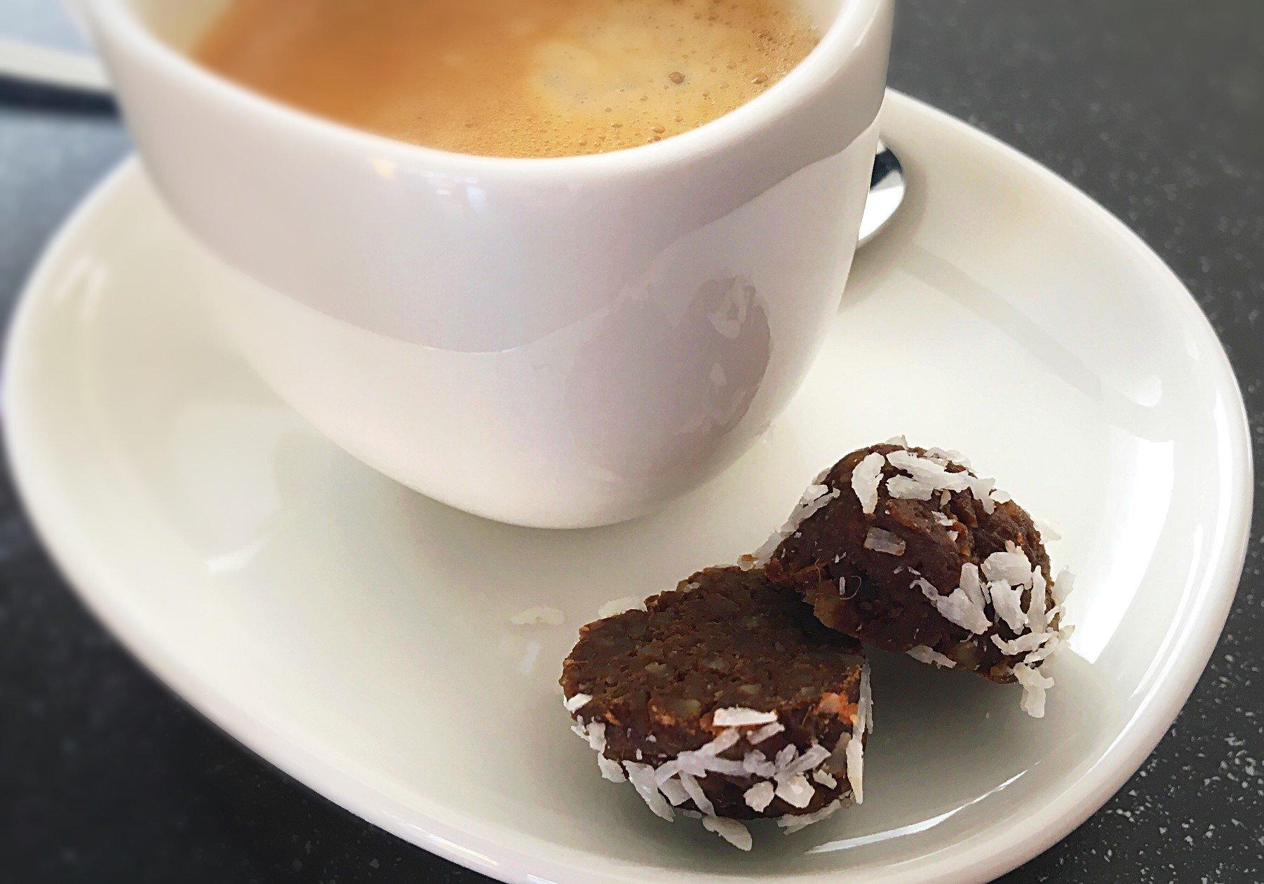 IMG 9547 - Espresso-Blissballs: Lecker, gesund und voller guter Zutaten