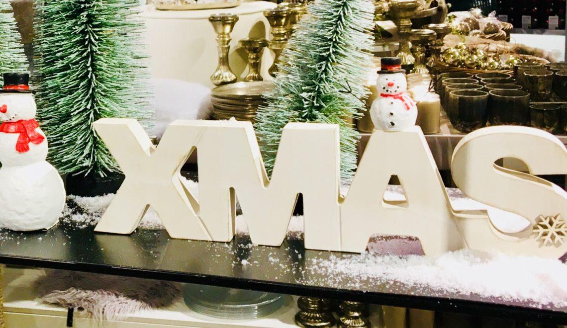 Ist den schon Weihnachten? In den Läden weihnachtet es schon so….
