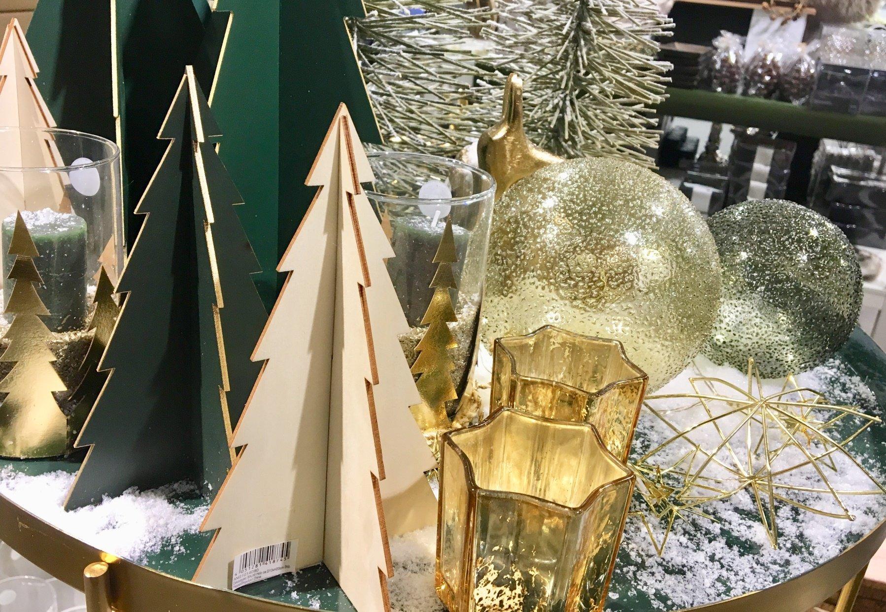 Foto 02.11.17 18 57 44 - Ist den schon Weihnachten? In den Läden weihnachtet es schon so....