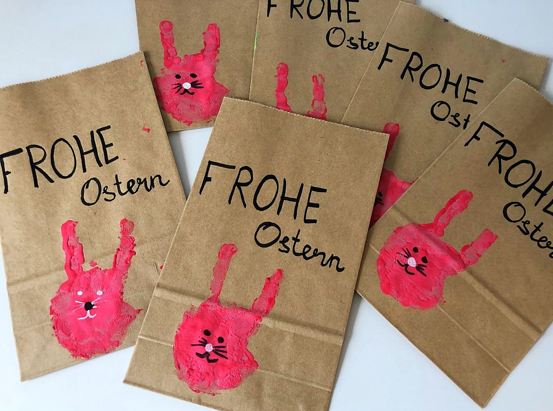 Foto 30.03.18 17 29 17 - Geschenkverpackung für Ostern mit Handabdruck basteln