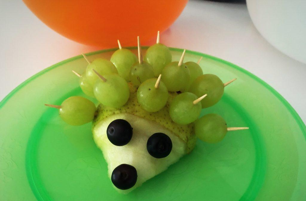 Foto 02.06.18 07 35 41 1024x675 - Obsttiere für Kinder. Auch eine Alternative zum Geburtstagskuchen für Kinder.