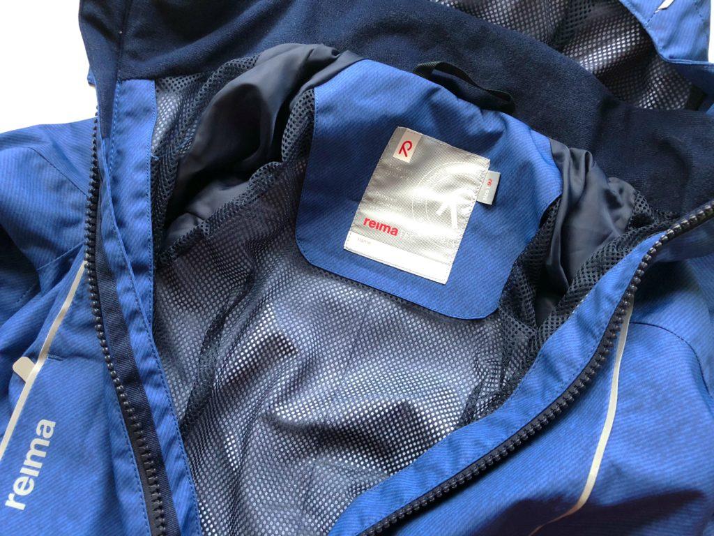 Foto 02.08.18 18 42 40 1024x768 - Die richtige Kinderbekleidung bei Regen & Matsch