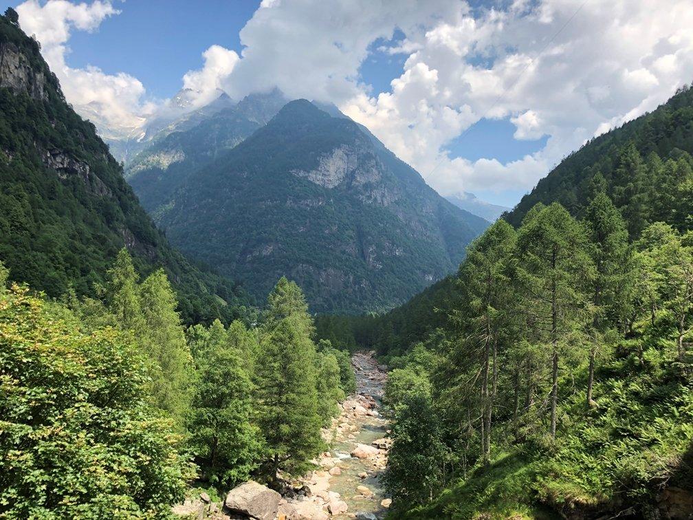 Foto 21.06.18 14 00 40 - Ausflugstipp Verzasca Tal: Wasserfall Froda in Sonogno
