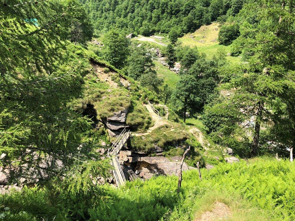 Foto 21.06.18 14 44 11 - Ausflugstipp Verzasca Tal: Wasserfall Froda in Sonogno