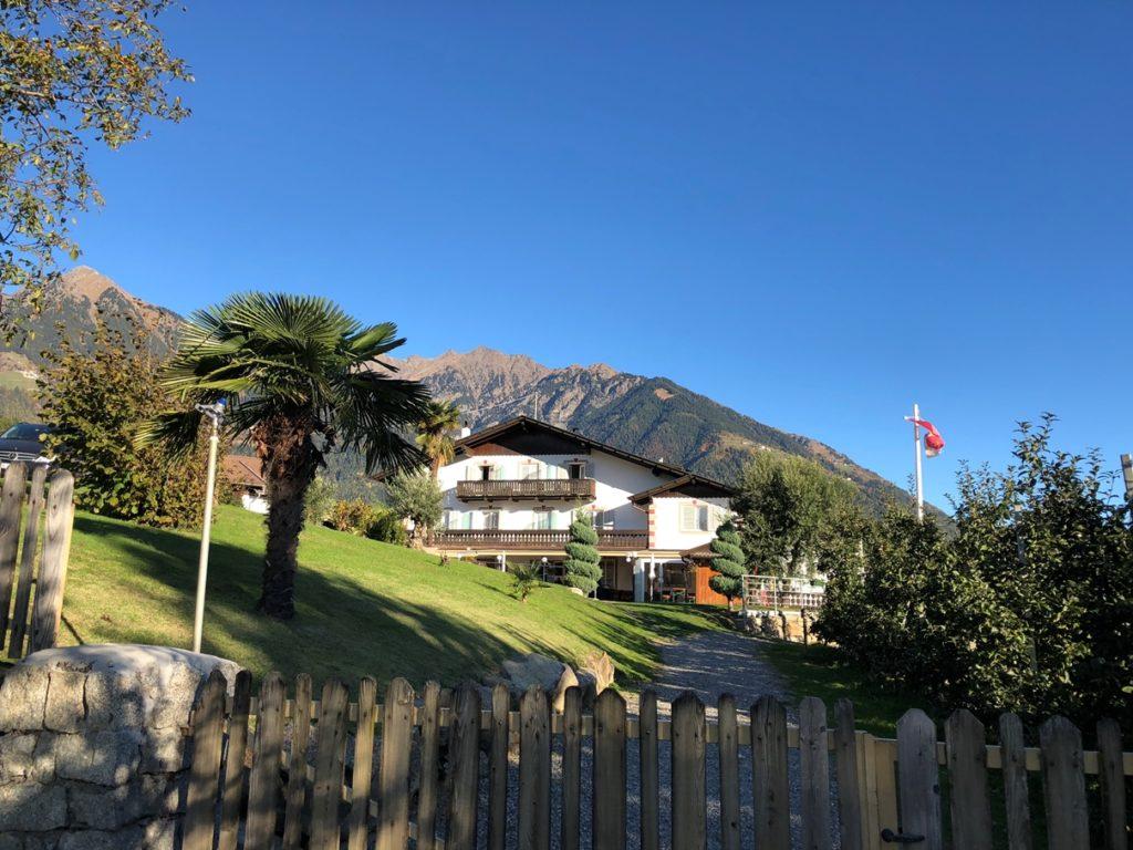Foto 25.10.18 10 28 31 1024x768 - Wohnmobilstellplatz in Meran – Schneeburghof in Dorf Tirol