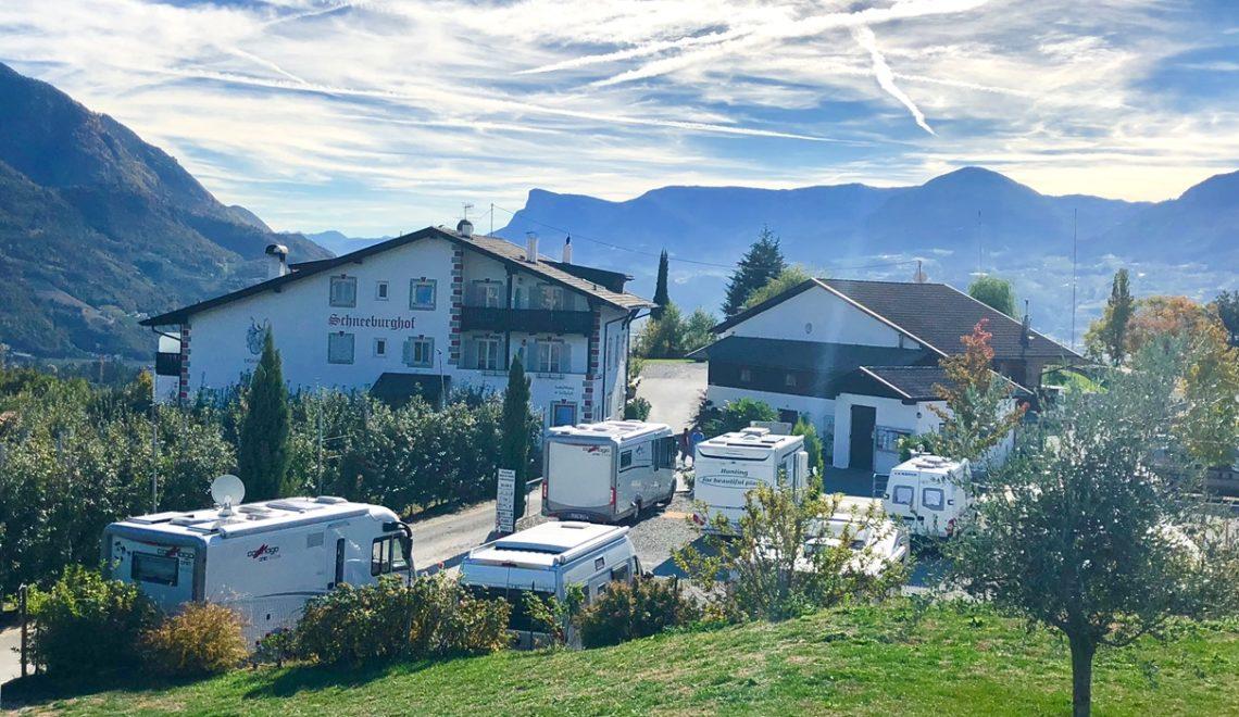 Wohnmobilstellplatz in Meran – Schneeburghof in Dorf Tirol