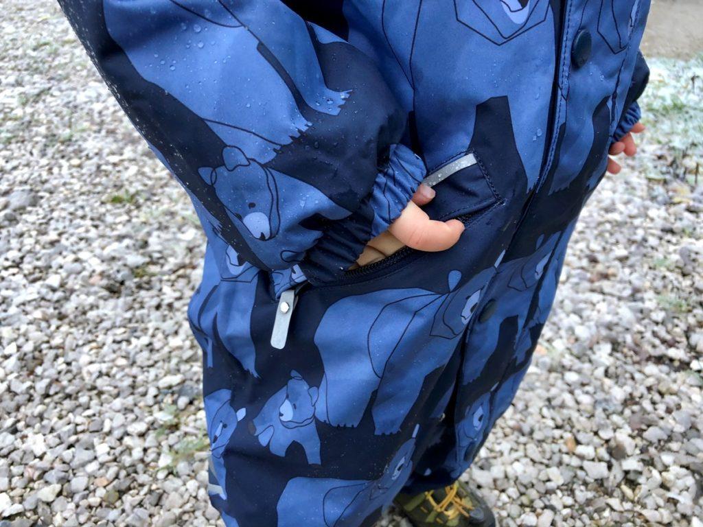 Foto 30.10.18 08 10 46 1024x768 - Einkaufsratgeber Schneeanzug für Kinder