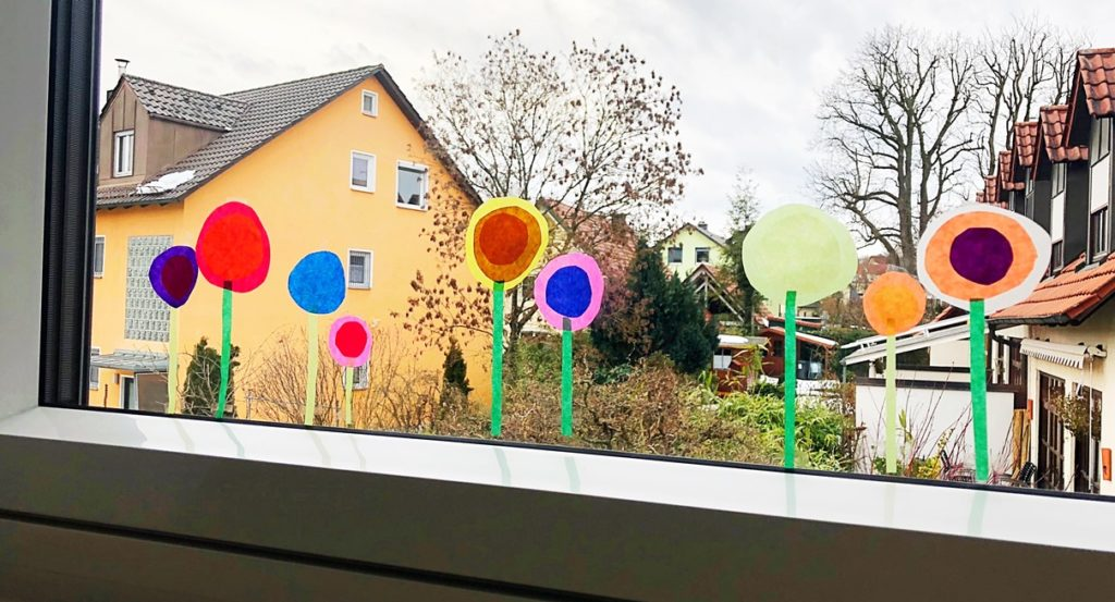 Foto 09.02.19 16 26 36 1024x553 - Fensterdeko Frühling für das Kinderzimmer