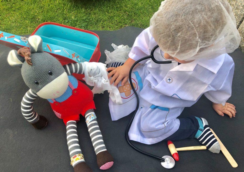 Foto 23.04.19 17 01 52 1024x721 - Sollen Kinder mit einem Arztkoffer spielen?