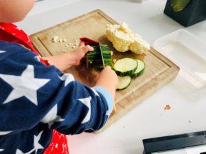 Foto 12.07.19 11 06 39 300x225 - Zucchini-Blumenkohl Suppe mit Griesnockerl
