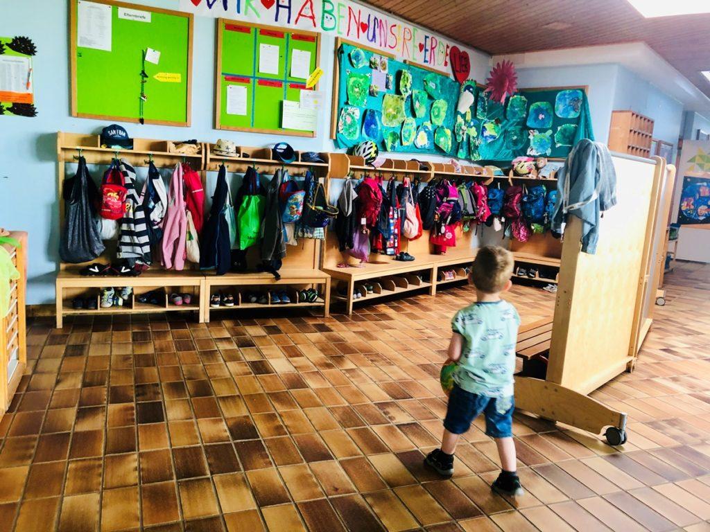 Foto 14.06.19 10 08 44 1024x768 - Wir kommen in den Kindergarten! So bereitet man sein Kind auf den Kindergarten vor