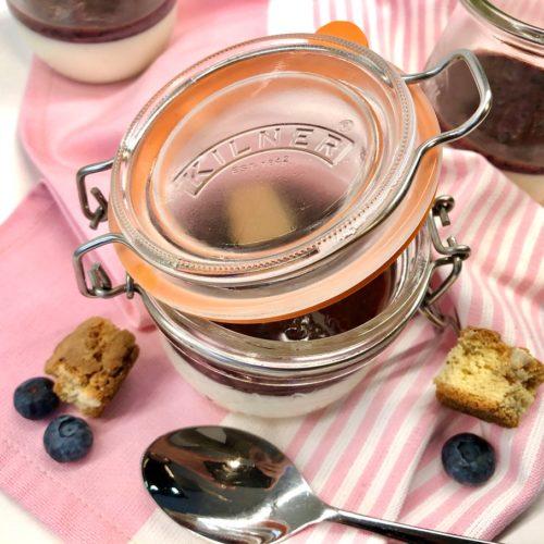 Foto 15.02.20 17 13 04 500x500 - Buttermilch Panna Cotta mit Heidelbeeren
