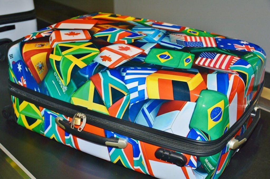 luggage 2384860 1280 1024x682 - Packliste für den Sommerurlaub mit Familie