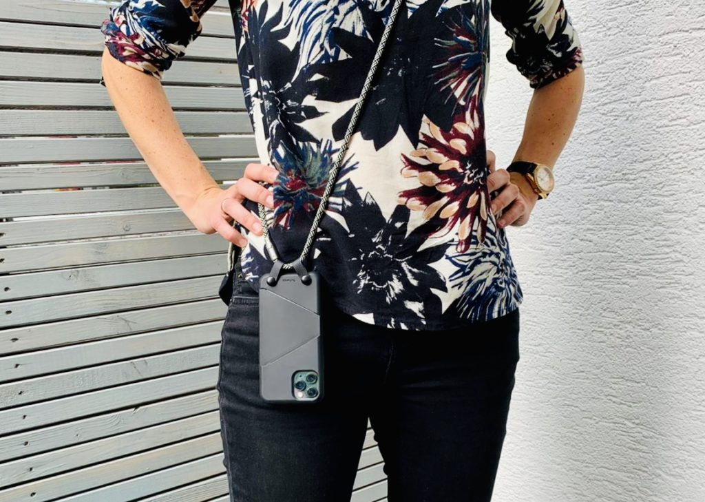 Artwizz Hangon Case 2 1024x729 - Werbung | Mein Smartphone immer griffbereit mit dem HangOn Case von Artwizz + Gewinnspiel