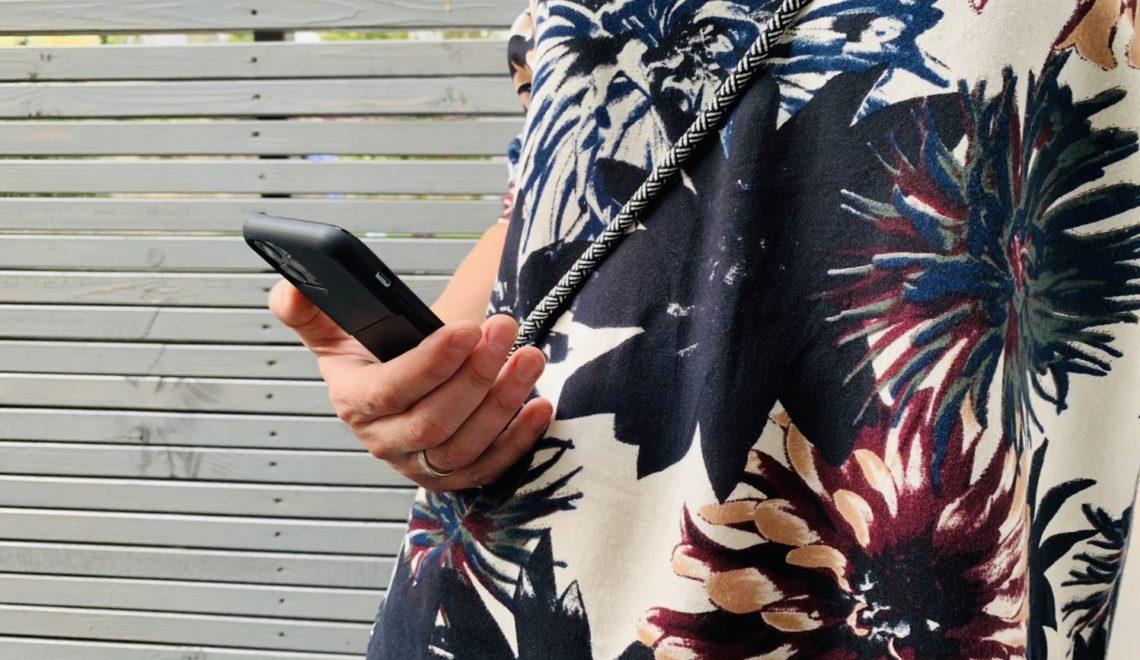 Werbung | Mein Smartphone immer griffbereit mit dem HangOn Case von Artwizz + Gewinnspiel