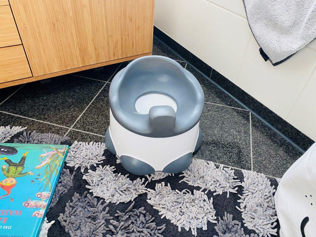 Bumbo step n potty 3 1024x768 - Trocken werden mit 2 Jahren  / Bumbo step n potty hilft dabei