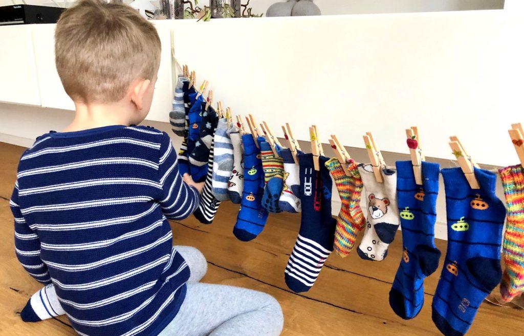 Adventskalender Kinder 3 1024x658 - DIY Nachhaltiger Adventskalender mit Socken