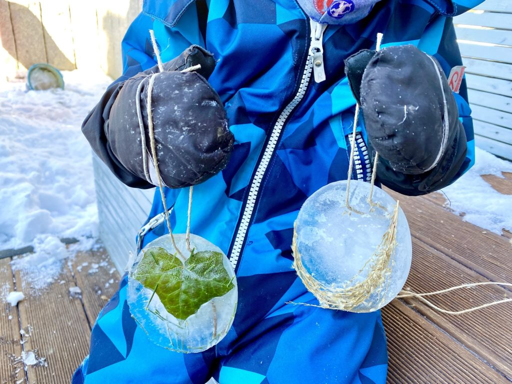 Eisbilder Winter basteln 11 1024x768 - Eisbilder - Schönes aus Wasser und Frost zaubern