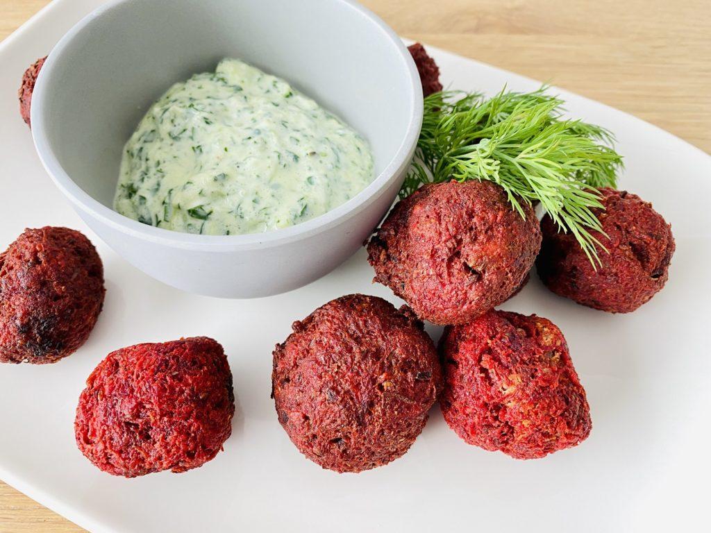 Rote Bete Falafel 1 1024x768 - Rote-Bete-Falafel mit Zucchini-Zaziki