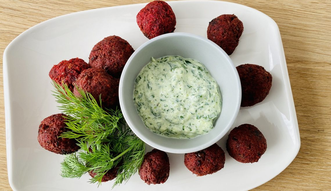 Rote-Bete-Falafel mit Zucchini-Zaziki