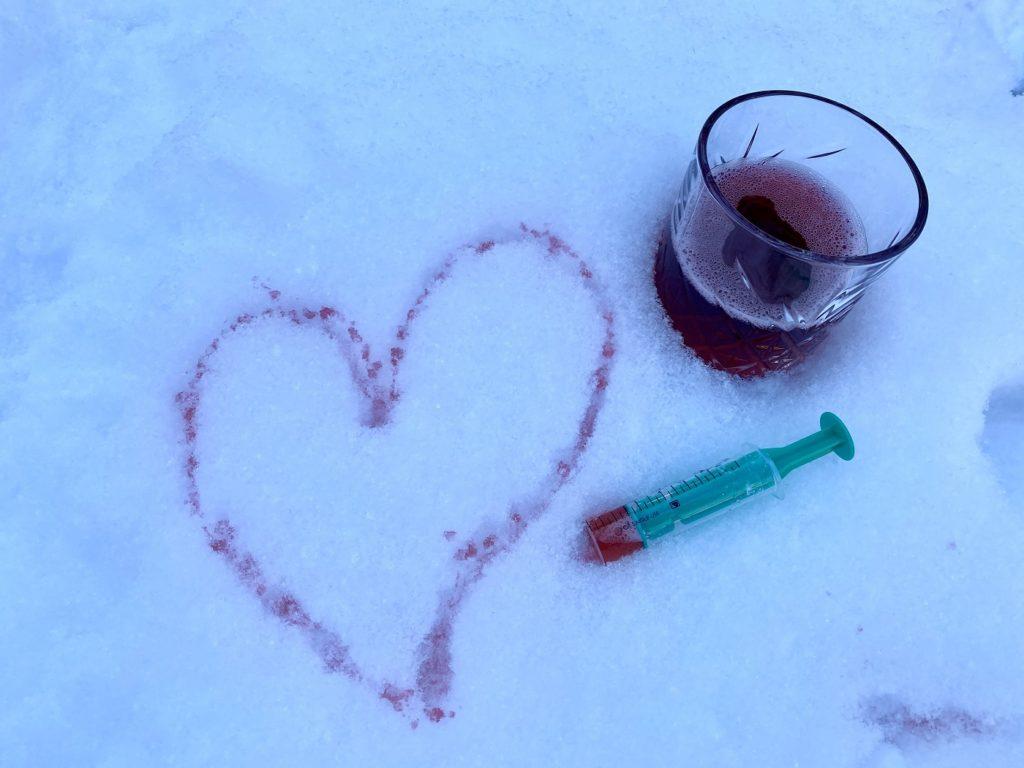 Schnee bunt faerben Kinder 3 1024x768 - Schnee färben mit Kindern - toller Spaß im Winter