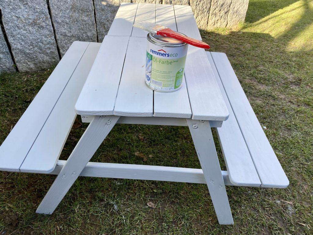 remmers eco oel farbe 1 1024x768 - Aus Alt mach Neu! Streichen der Kindersitzgarnitur mit remmers Öl-Farbe eco