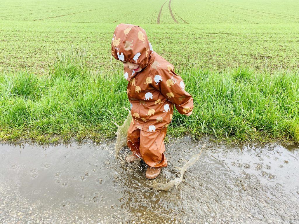 Celavi Regenkleidung 7 1024x768 - Regenkleidung Kinder - Darauf ist beim Einkauf zu achten!
