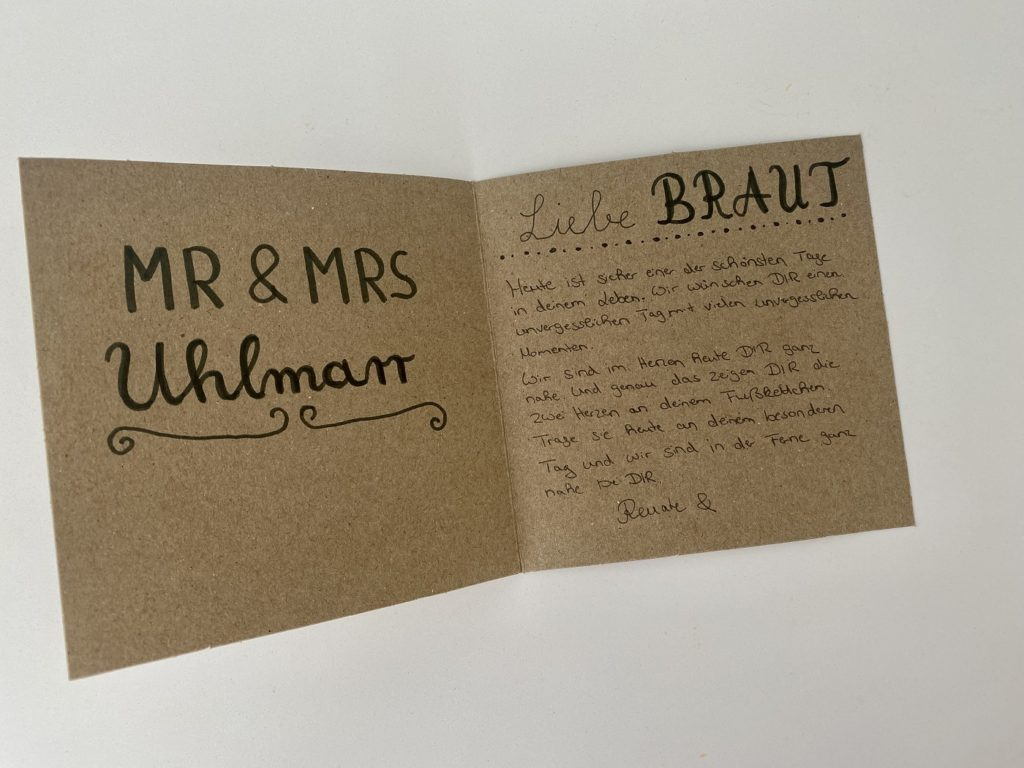 Karte Hochzeit mit Herzen 1 1024x768 - Hochzeitskarte mit Herzen basteln