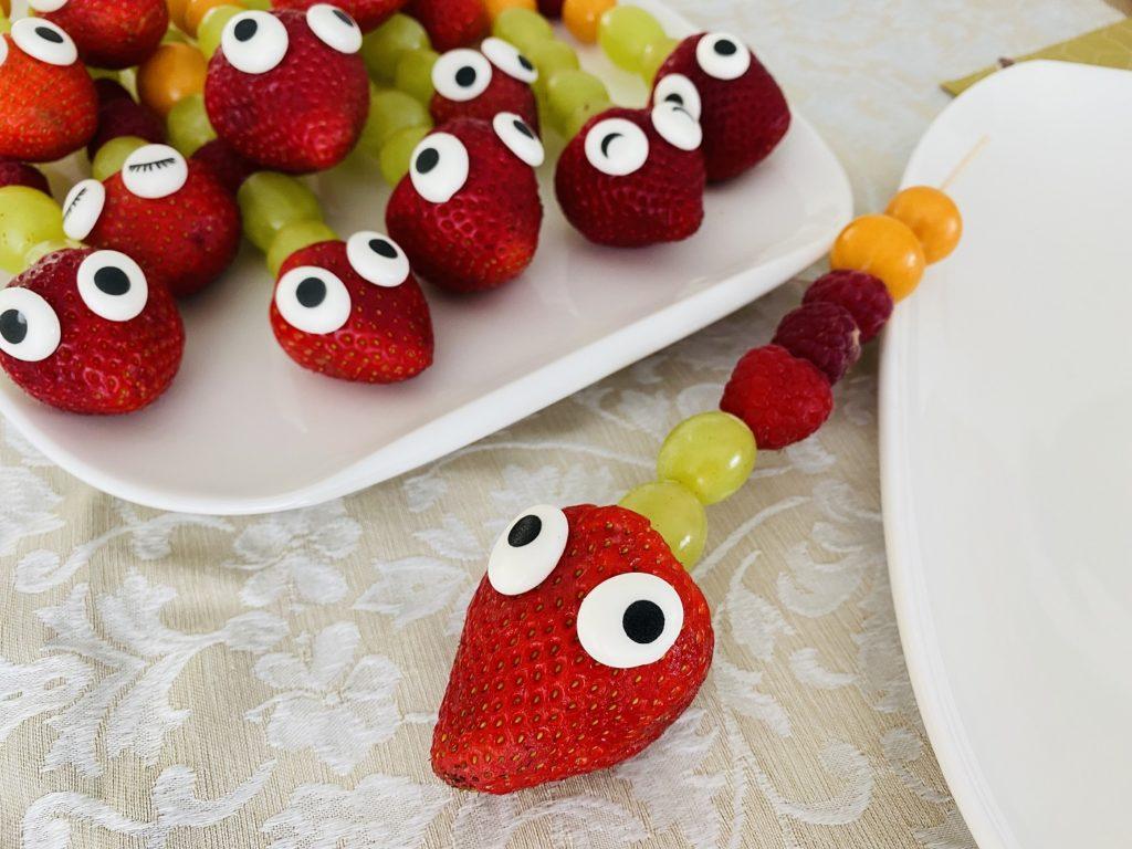 Obstspiesse Kindergeburtstag 1 1024x768 - Obstspieße für Kinder