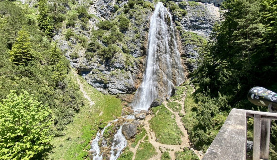 Wanderung zum Dalfazer Wasserfall