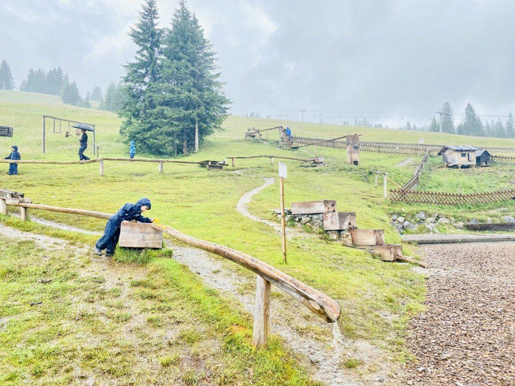 Arlenzauberweg Lech Zuers 3 1024x768 - Familienwanderung in Lech Zürs am Arlberg: Arlenzauberweg