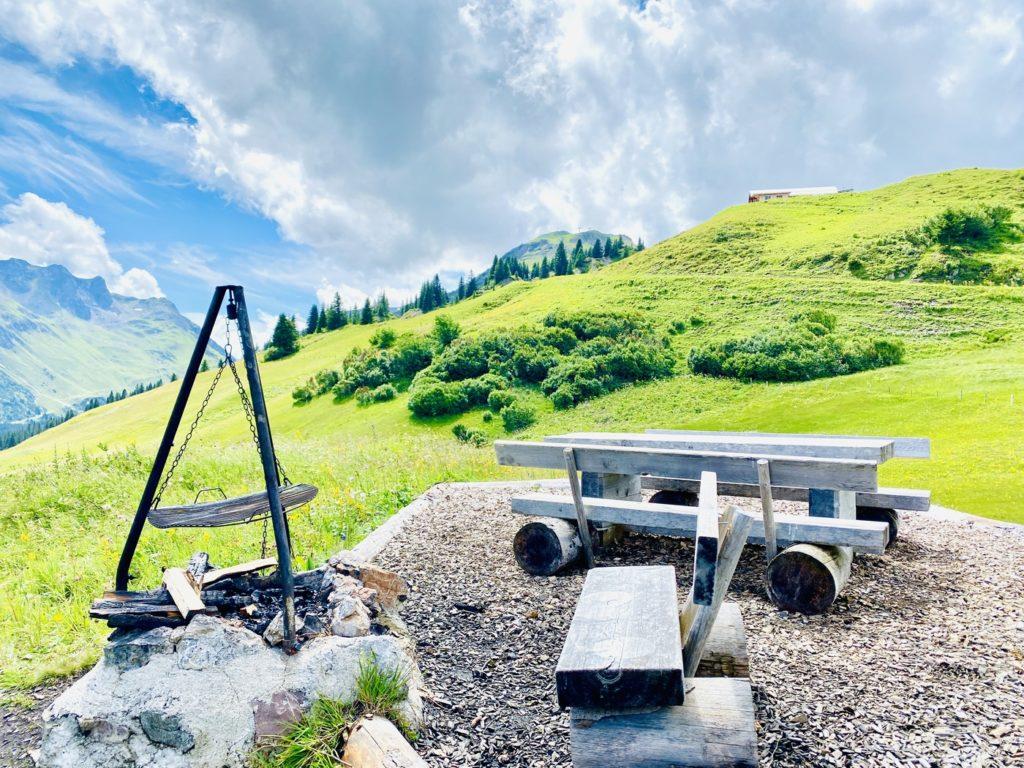 Grillplatz Lech Zuers 1024x768 - Ausflugstipps Familien Lech Zürs am Arlberg