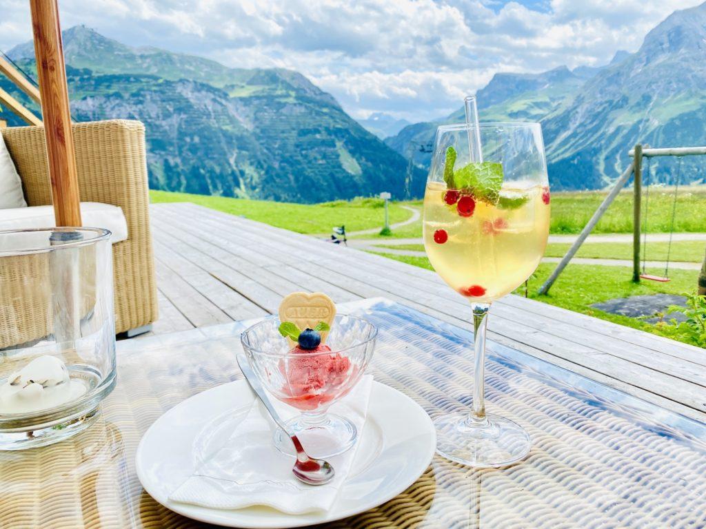 Hotel Mohnenfluh Spielplatz Oberlech 2 1024x768 - Ausflugstipps Familien Lech Zürs am Arlberg